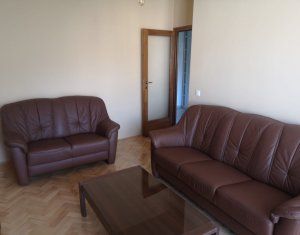 Inchiriere apartament cu 3 camere zona Pietei Avram Iancu Cluj