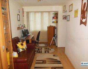 Appartement 4 chambres à vendre dans Cluj Napoca, zone Manastur