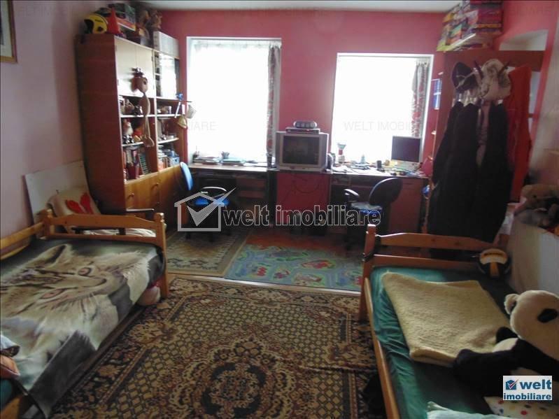 Vanzare apartament 4 camere ultracentral, curte, acces auto, ocazie investitie
