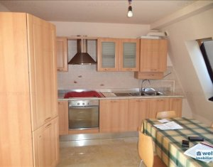 Apartment 3 rooms for sale in Floresti