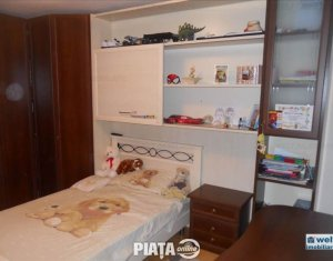 Vanzare apartament de lux cu 5 camere, 131 mp + balcoane, complex privat