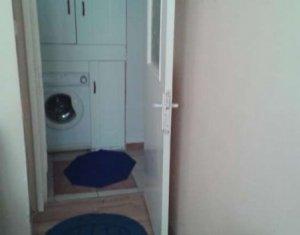 Vanzare apartament 2 camere, decomandat, etaj 1 din 4, garaj, Baciu