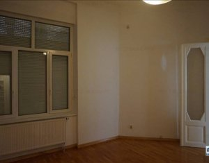 Apartament de inchiriat cu 5 camere, foarte spatios, ultracentral