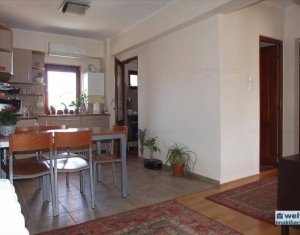 Vanzare apartament 3 camere, decomandat,etaj intermediar, zona Minerva, Manastur