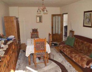 Appartement 4 chambres à vendre dans Cluj Napoca, zone Baciu