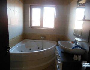 Vanzare apartament 5 camere, 130 mp, 2 balcoane, 2 locuri de parcare, Floresti