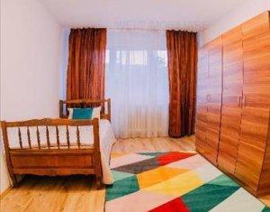 Lakás 4 szobák kiadó on Cluj Napoca, Zóna Manastur