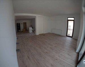 Apartament 3 camere, aproape de Grand Hotel Italia, panorama deosebita