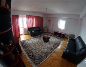 Inchiriere apartament cu 4 camere, decomandat, in cartierul Zorilor