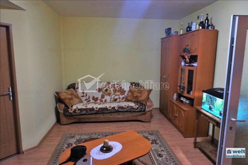 Apartament de inchiriat, 2 camere, 50 mp, semidecomandat, zona Calea Turzii