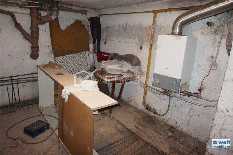 Vanzare apartament in vila cu 2 apartamente, A. Muresanu, garaj,3 parcari, curte