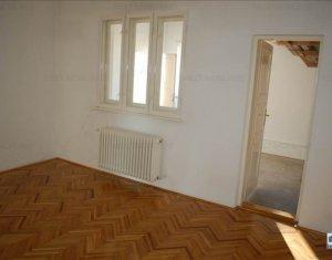House 4 rooms for sale in Gherla, zone Centru
