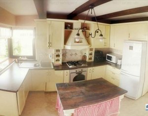 Casa in stil italian de vanzare, Floresti, zona Terra, 740mp teren, 260 mp utili