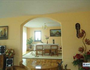 Casa individuala, 13 camere, 350mp utili, 780mp teren, cartier Europa