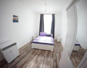 3 dormitoare, 2 bai, living cu bucatarie, confort lux, ULTRACENTRAL