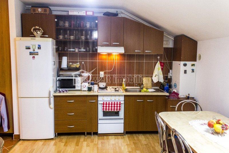 Apartament 2 camere semidecomandate, etaj nou 2006, 38mp,str.Tribunul Vladutiu