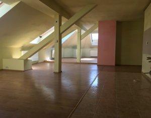 Apartament de inchiriat, 4 camere, 177 mp, Centru