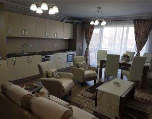 Apartament cu 3 camere, semidecomandat, zona Iulius Mall, 100mp