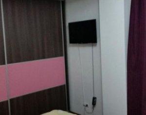 Vanzare apartament de 2 camere, strada Maramuresului