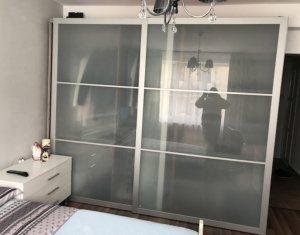 Inchiriem apartament cu 2 camere decomandat, in centrul orasului Cluj