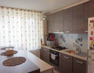 Vanzare apartament cu 3 camere, mobilat si utilat, Floresti, Tineretului