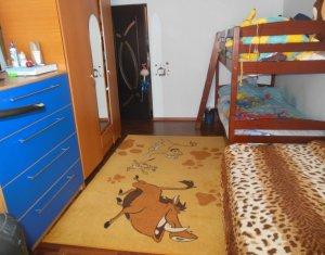 Apartament de vanzare, 3 camere, Floresti, zona buna, aerisita