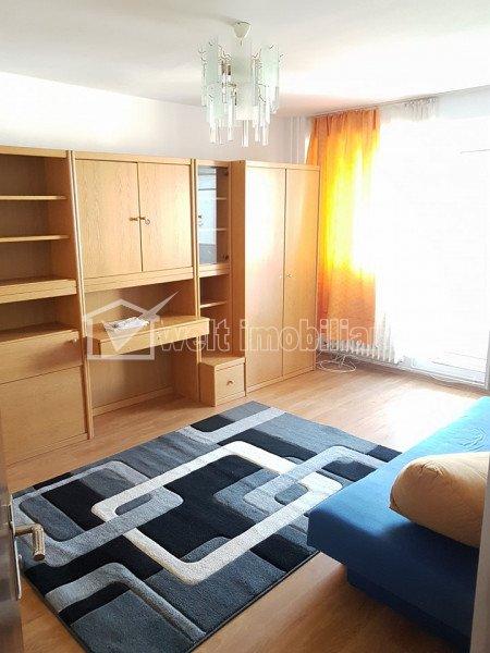 Apartament decomandat, statie in fata blocului, 3 minute - FSEGA si Iulius Mall