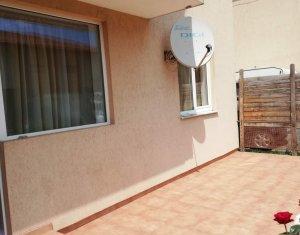Apartament de 3 camere cu terasa si gradina, in vila, zona Somesului