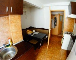 Apartament 2 camere, decomandat, etaj intermediar, UMF