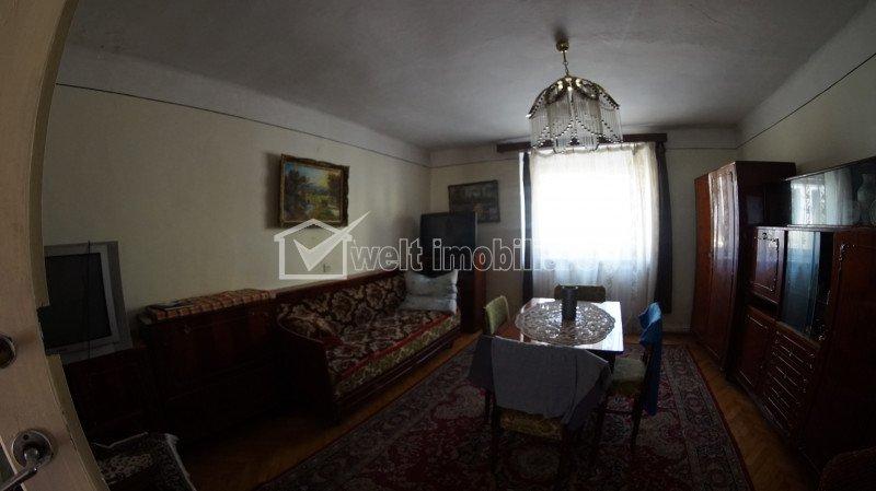Casa la calcan, 3 camere, curte comuna, Gheorgheni