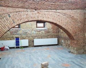 Inchiriere cladire de birouri 1100mp, 7 parcari, Parcul Central - Chios