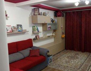 Vanzare apartament, 3 camere, Floresti, mobilat si utilat, strada Florilor