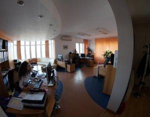 Spatiu comercial de vanzare, 420 mp utili, 1332 teren, Andrei Muresanu
