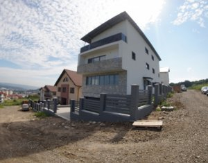 House 4 rooms for sale in Cluj Napoca, zone Manastur