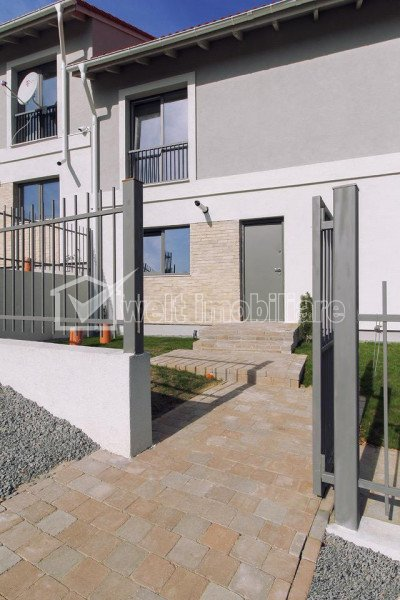 House 4 rooms for sale in Popesti
