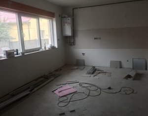 Apartment 1 rooms for sale in Floresti