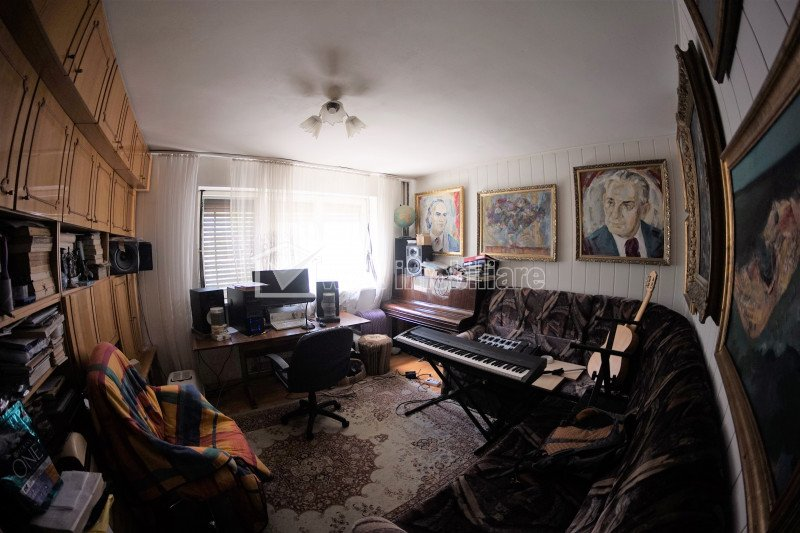 Apartament 4 camere, etaj intermediar, 5-10 minute MC Donald's, Manastur