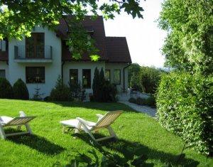 Casa individuala de lux 244mp utili, cu gradina superba, zona Campului
