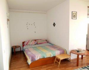 Inchiriere apartament 1 camera decomandat, 52 mp + balcon 8 mp, semicentral