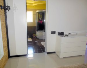 Apartment 2 rooms for sale in Floresti