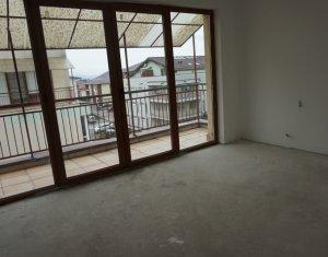 Vanzare apartament cu 4 camere, pe doua nivele, Floresti, zona Lidl