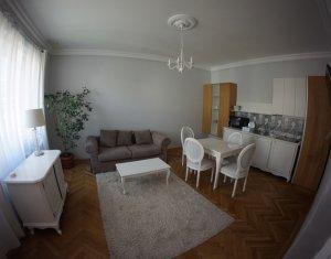 2 camere cu terasa, luminos si ingrijit, 5 minute de Piata Mihai Viteazul