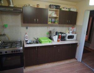 Apartament cu 3 camere, zona Minerva