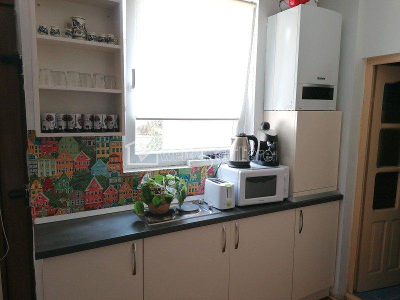 Apartament 3 camere in casa 80 mp, zona Horea
