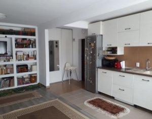 Vanzare apartament cu 2 camere, Floresti, strada Sub Cetate