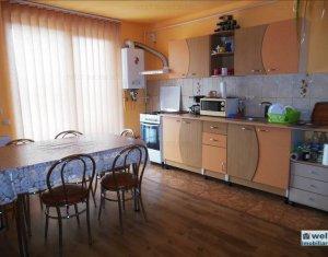 Vanzare apartament cu 3 camere in Floresti, zona Porii