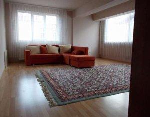 Inchiriem apartament de 3 camere, in cartierul Andrei Muresanu