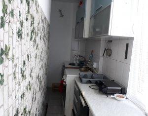 Apartament 3 camere, 52 mp, etaj intermediar, finisat, mobilat, strada Tulcea