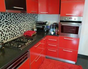 Apartament 4 camere in vila, 142 mp, teren 215 mp, mobilat lux, Dambul Rotund