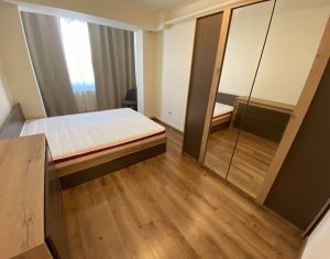Inchiriere apartament 3 camere, piata Mihai Viteazu